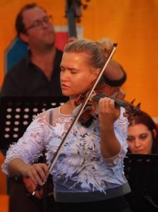 Mari Samuelsen and the 12 Ensemble